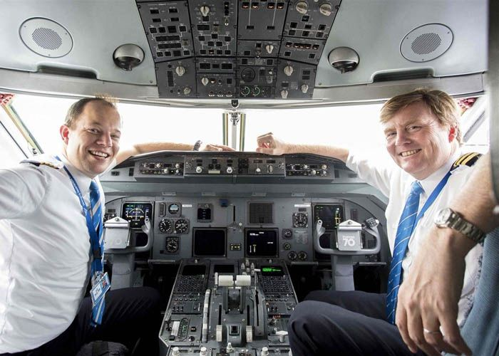 dutch king in the cockpit of a plane as a pilot