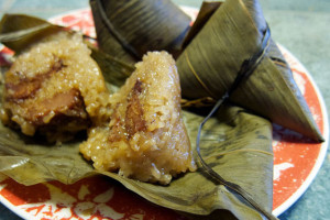 open bamboo leaf zongzi with filling