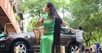 woman with very long hair in china