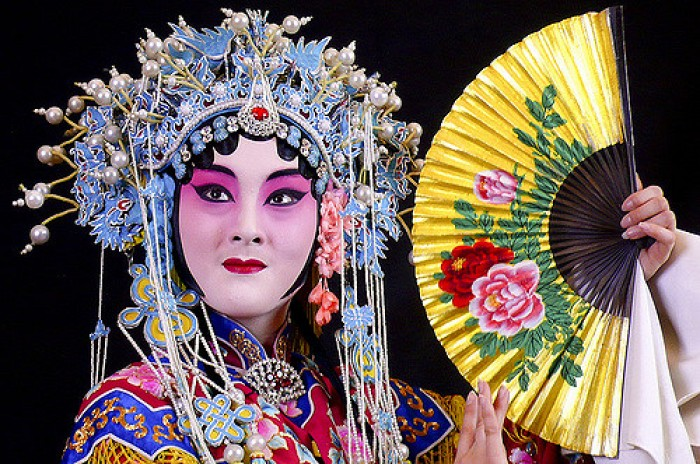 中国将在学校推广传统戏曲