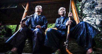 tribesmen with guns in china
