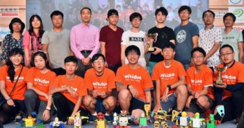 group photo of robot contestants