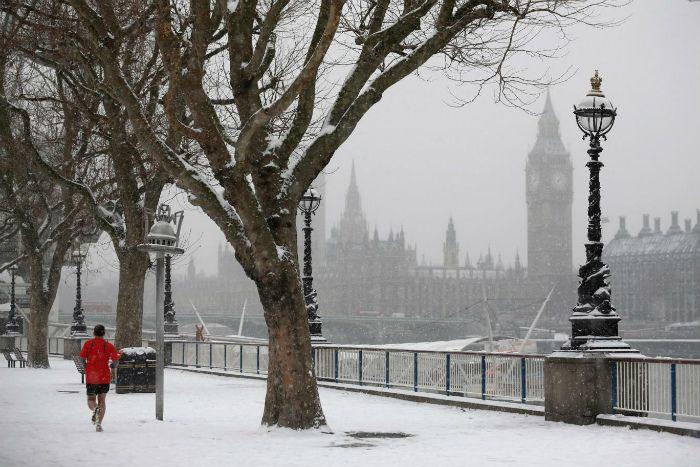 伦敦下大雪