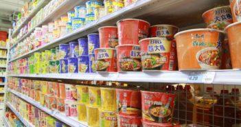 instant noodles on shelves