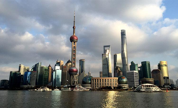 上海成为中国首个GDP超3万亿元城市