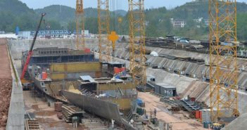 titanic replica under construction in china