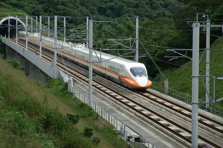 日本列车发出动物鸣声防鹿车相撞