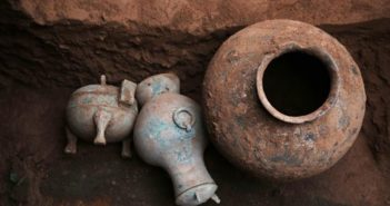 ancient pots discovered in archaeological dig in china