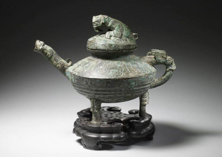中国谴责英国拍卖被盗文物