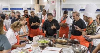 chinese chef teaching israeli chefs how to cook chinese food