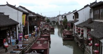 canal in suzhou