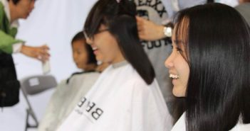 three girls at hairdressers in china
