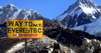 sign pointing to everest base camp