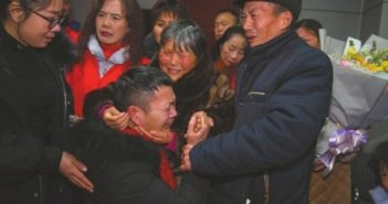 man reuniting with family after 34 years in china