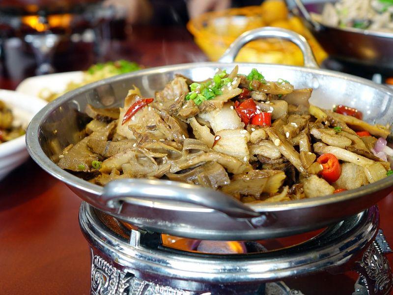 2018年中国餐饮业收入超过4万亿元
