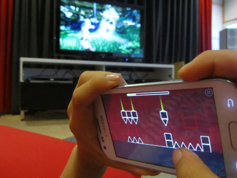 mobile phone gaming at home