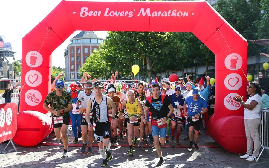 starting line of beer lovers marathon in liege