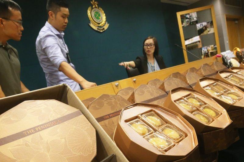 fake mooncakes seized in shenzhen