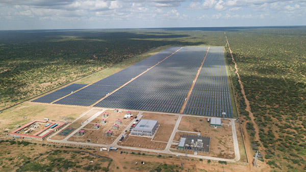 肯尼亚启动中国建造的太阳能发电站