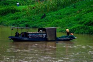 fishing boat on yangtze river