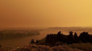 auckland sky turns orange with australian bush fire smoke