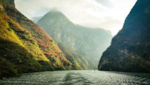 mountains on yangtze river