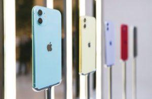 iphones on display in apple store