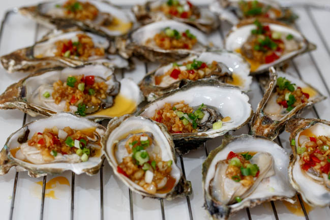 rack of oysters cooked in china