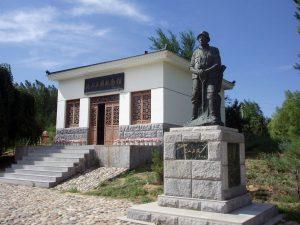 Toyama Seiei statue in China